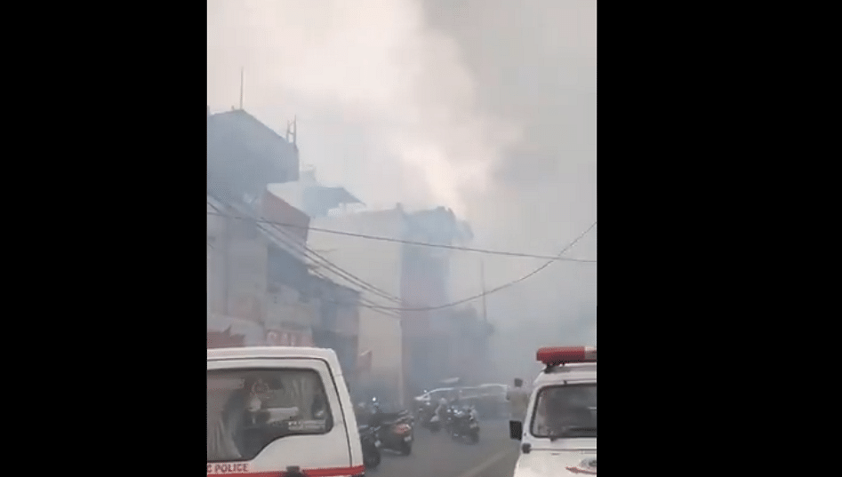 Fire breaks out at showroom in south Delhi's Lajpat Nagar