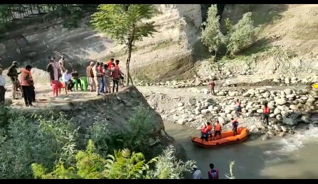 Teenager drowns in Budgam stream, search operation underway