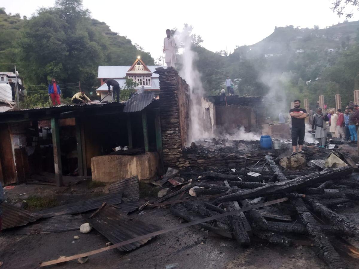 Fire guts nine shops in J&K's Poonch