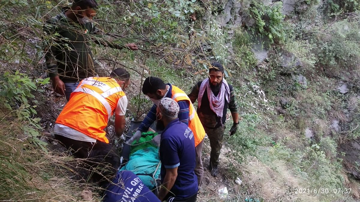 Four killed, as many injured in road accident on Srinagar-Jammu highway in Ramban