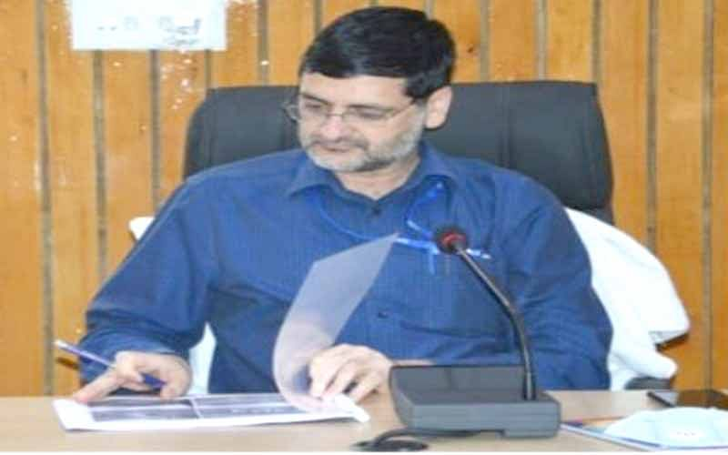DC Budgam urges public to strictly follow SOPs