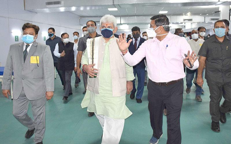LG Sinha inaugurates DRDO's 500-bed Covid Hospital at Khonmoh