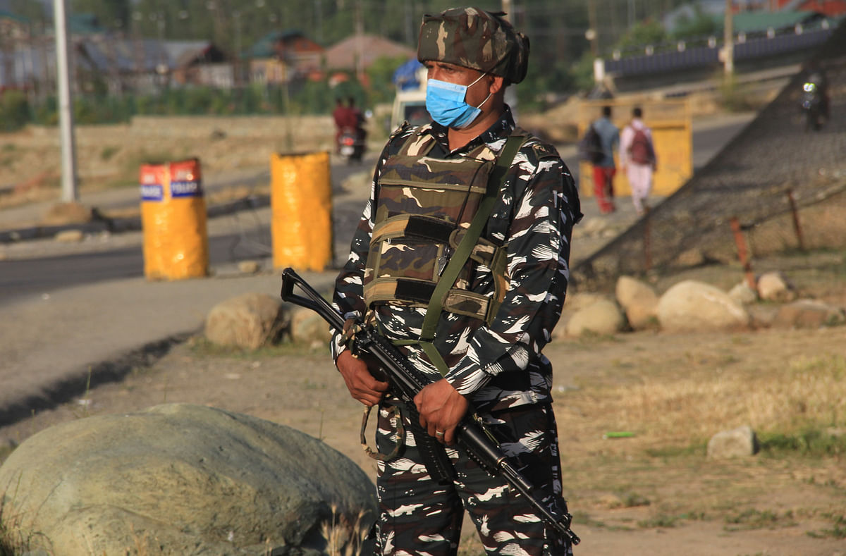 Visual Story: Security Beefed Up in Kashmir on Eve of All-Party Meet