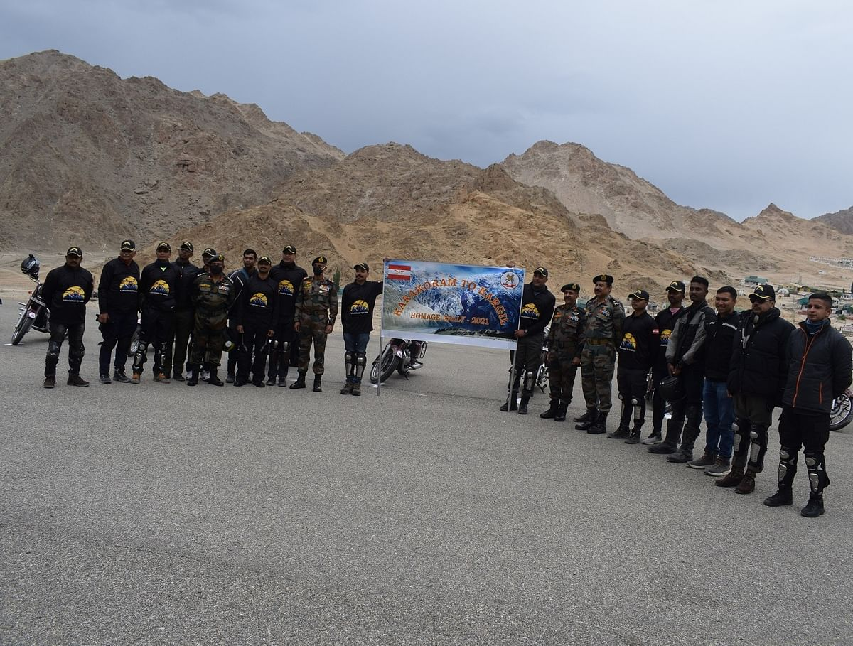 Motorcycle expedition flagged off from Leh to commemorate 22nd anniversary of Kargil Vijay Diwas
