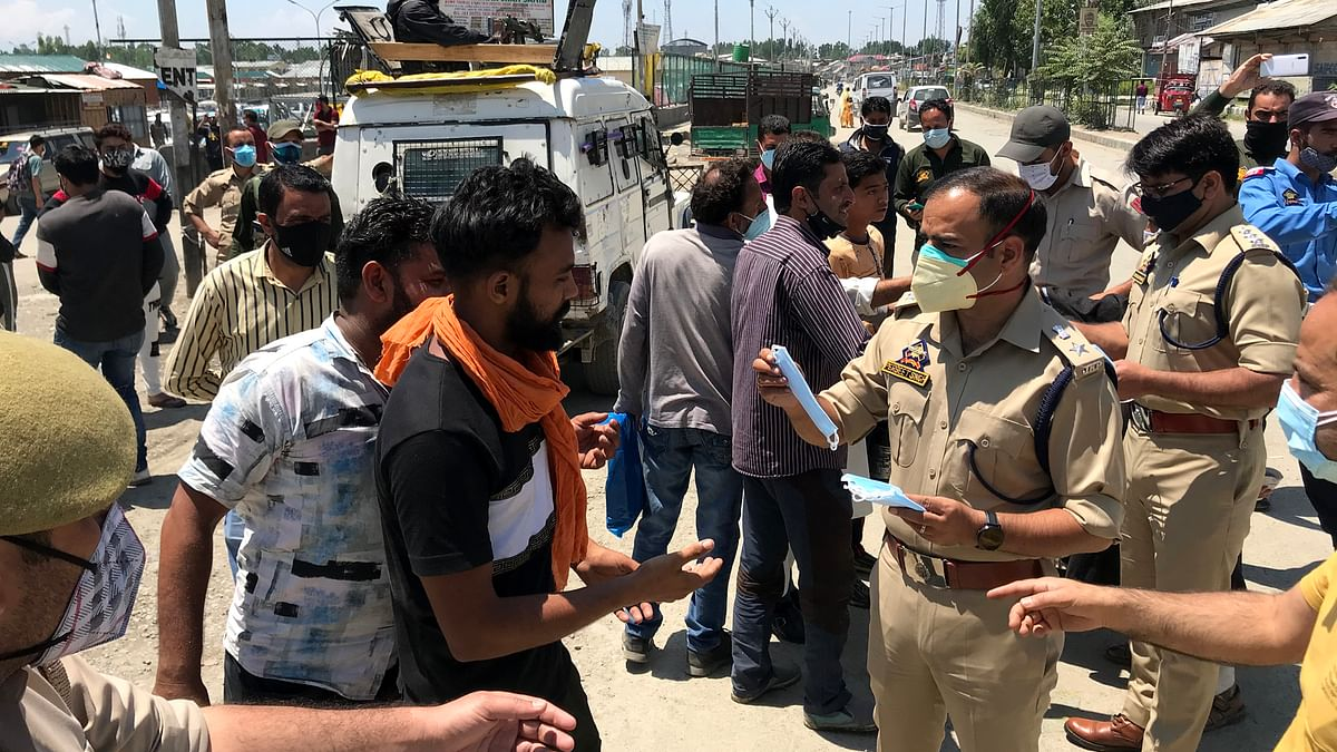 Over 3,500 fined for violating COVID-19 guidelines in Kashmir in last 24 hrs