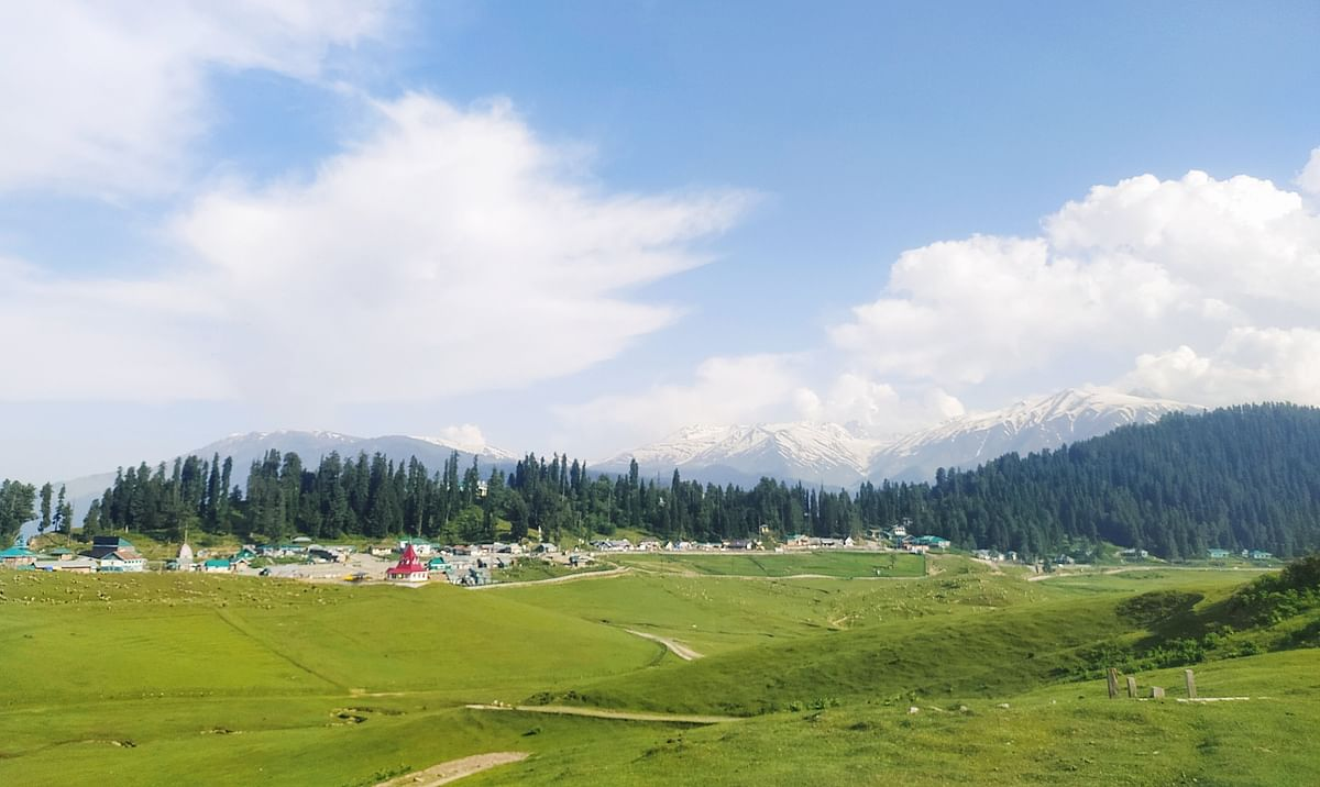 Now Gulmarg out of bounds for weekend picnic