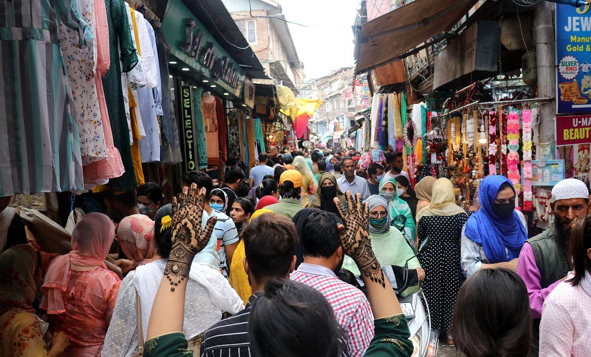 In run-up to Eid, profiteering hits people in Srinagar