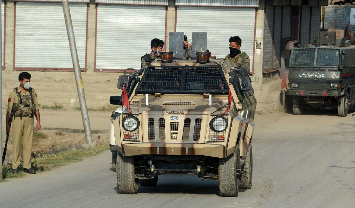 2 militants killed, 3 CRPF men injured in Srinagar encounter