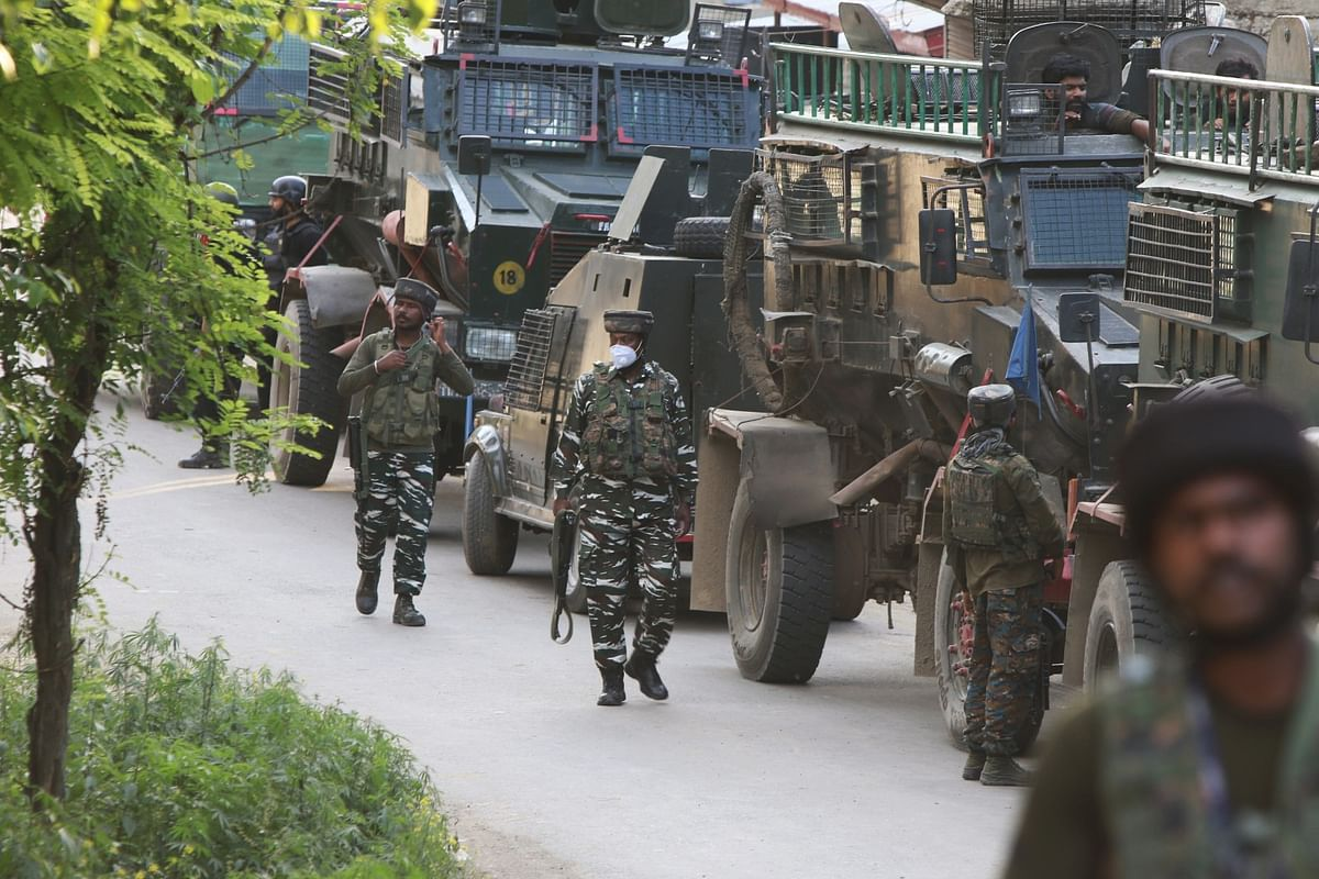 Militants flee after 'encounter' with security forces in south Kashmir's Kulgam