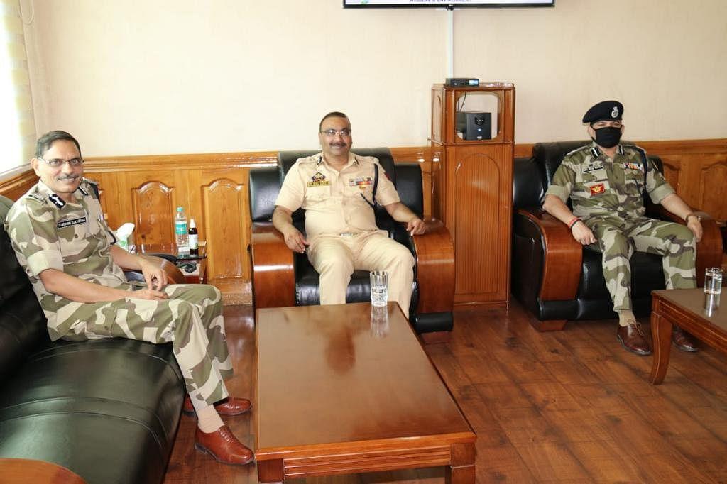 DG CISF visits Police Headquarters, meets DGP J&K