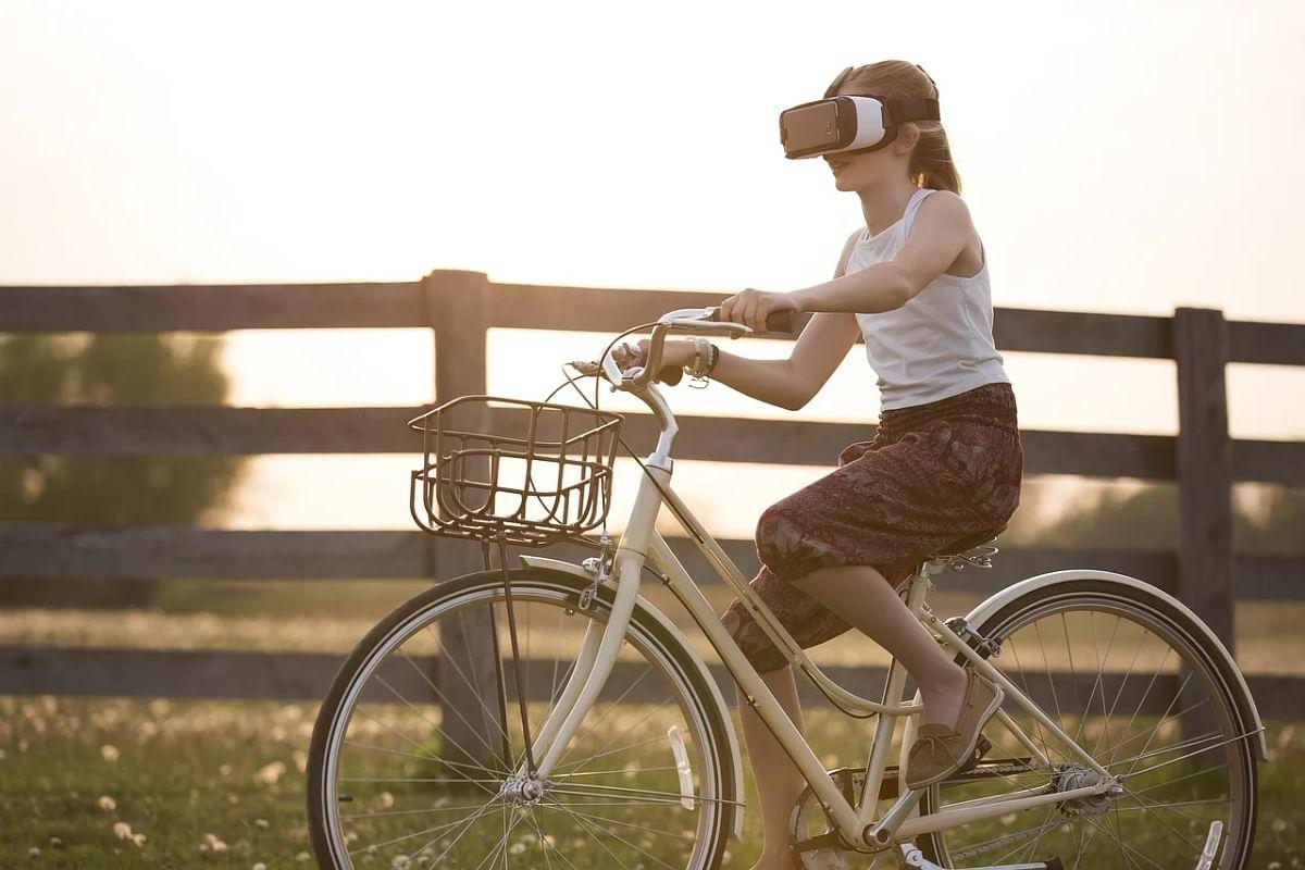 Global VR headset market grows over 52%, Facebook leads