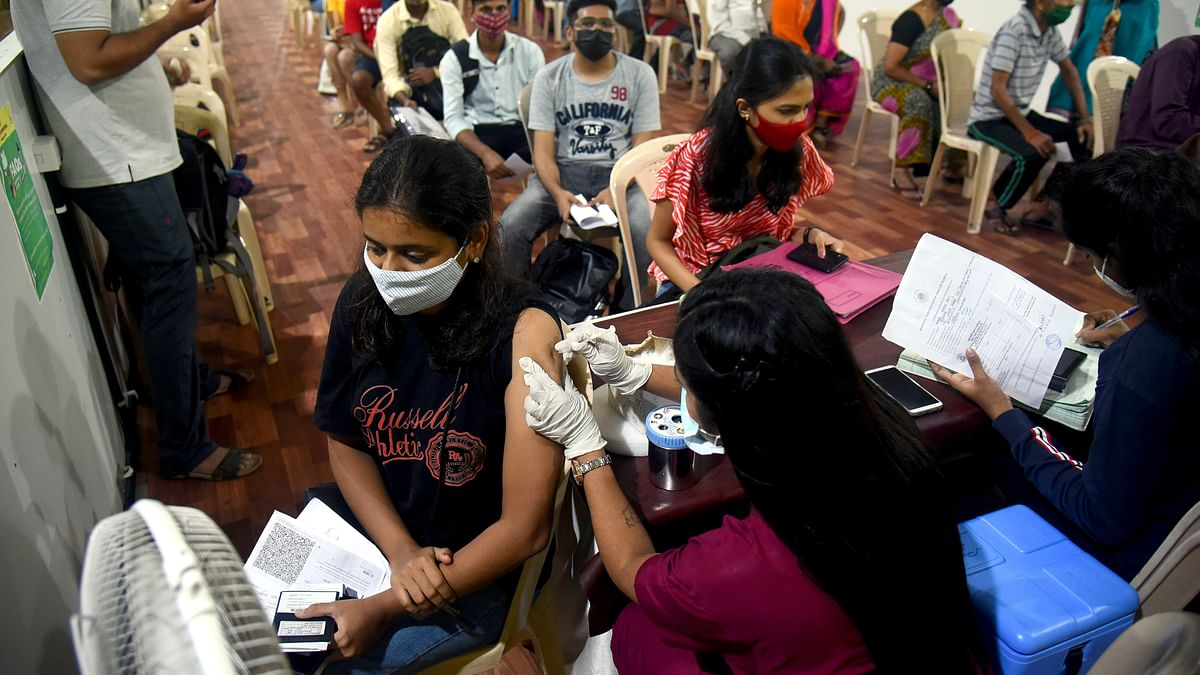 India logs 26,964 new COVID-19 cases, 383 fresh fatalities