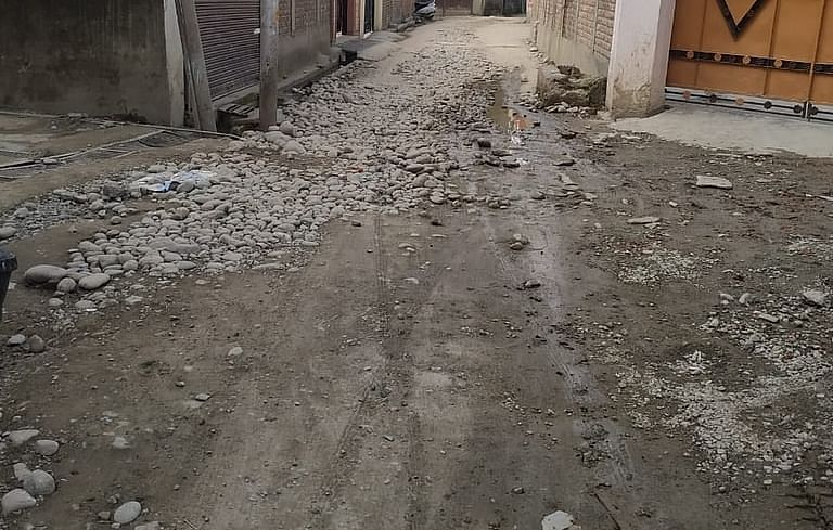 Pathetic condition of inner roads irks Handwara villagers