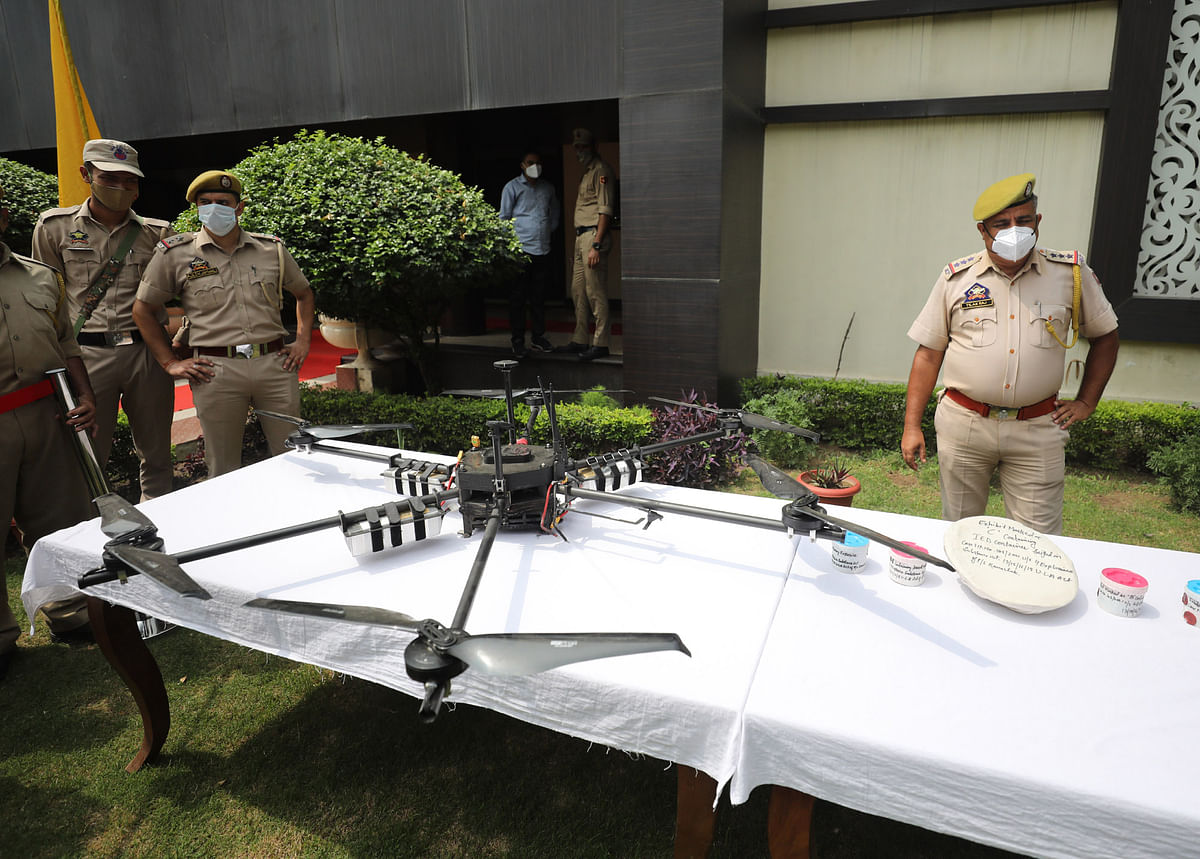 Jammu Police shoots down Hexa-Copter in Akhnoor