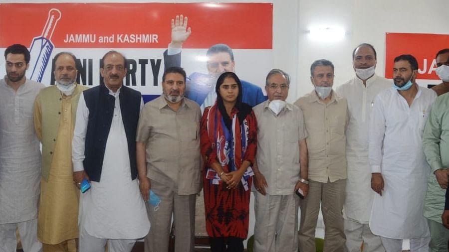 DDC member Rafiabad Parmeet Kaur joins Apni Party