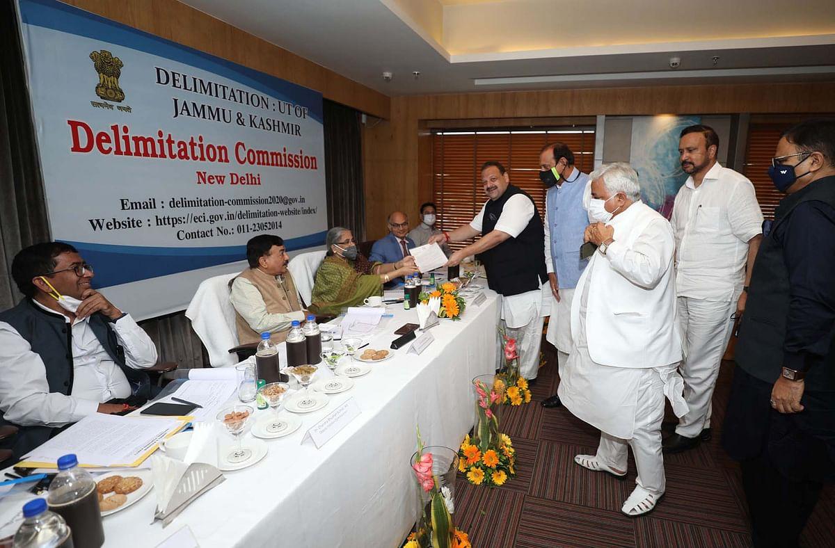 'J&K at the cross roads of history': NC delegation presents memorandum to Delimitation Commission in Jammu