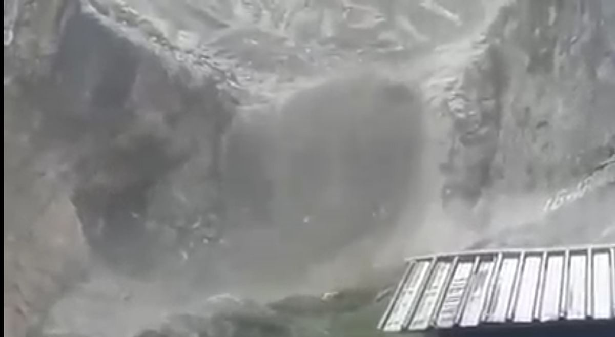 Cloudburst at Amarnath Cave shrine, no injuries reported