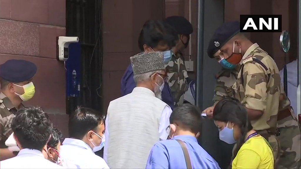 Kargil leaders demand statehood for Ladakh, restoration of Art-370, 35A