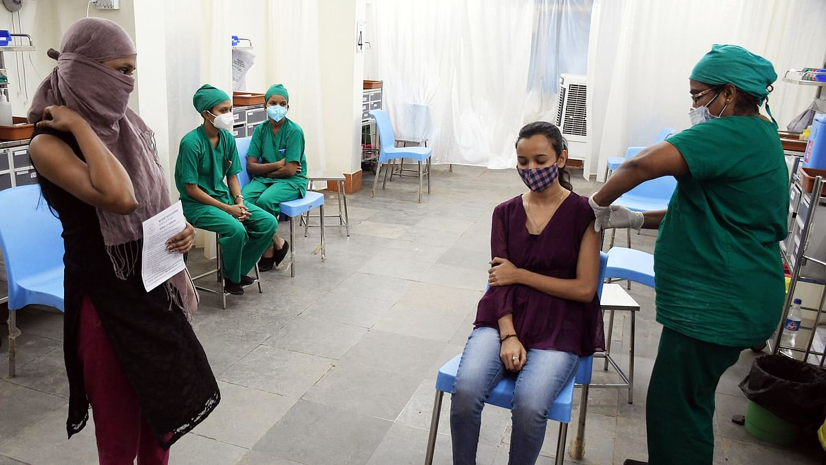 India records 44K new COVID-19 cases, 555 deaths