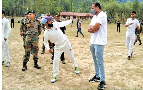 Yusuf Pathan holds workshop for budding cricketers