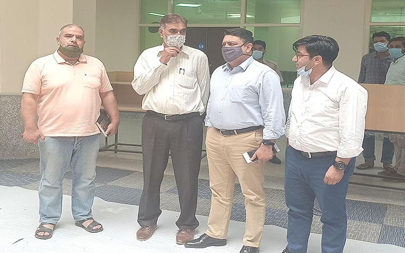 Director Planning Hr Edu Deptt visits IUST