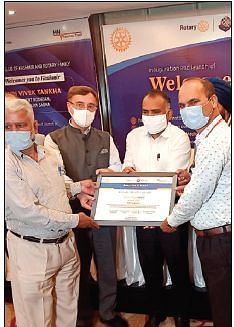 SDH Kupwara conferred with 'award for excellence' in Covid management