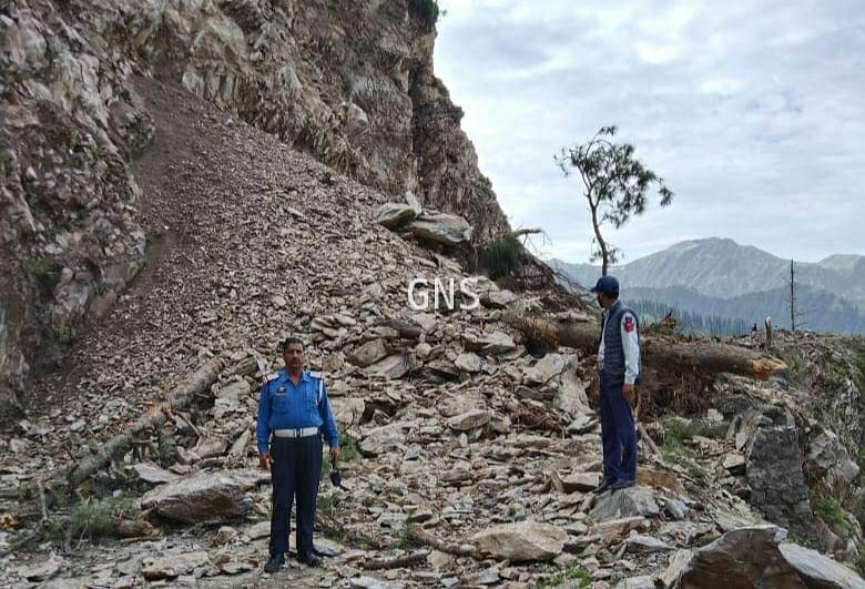 Mughal road shut after landslide in J&K's Poonch