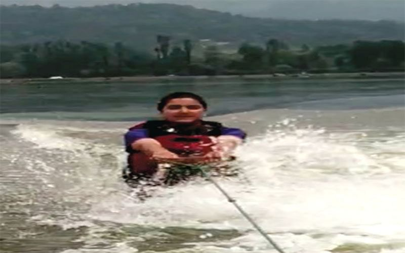 District water skiing championship concludes in Srinagar