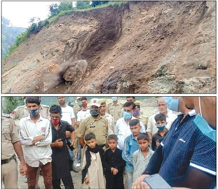 4 houses damaged after land erosion in Ramban, families relocated