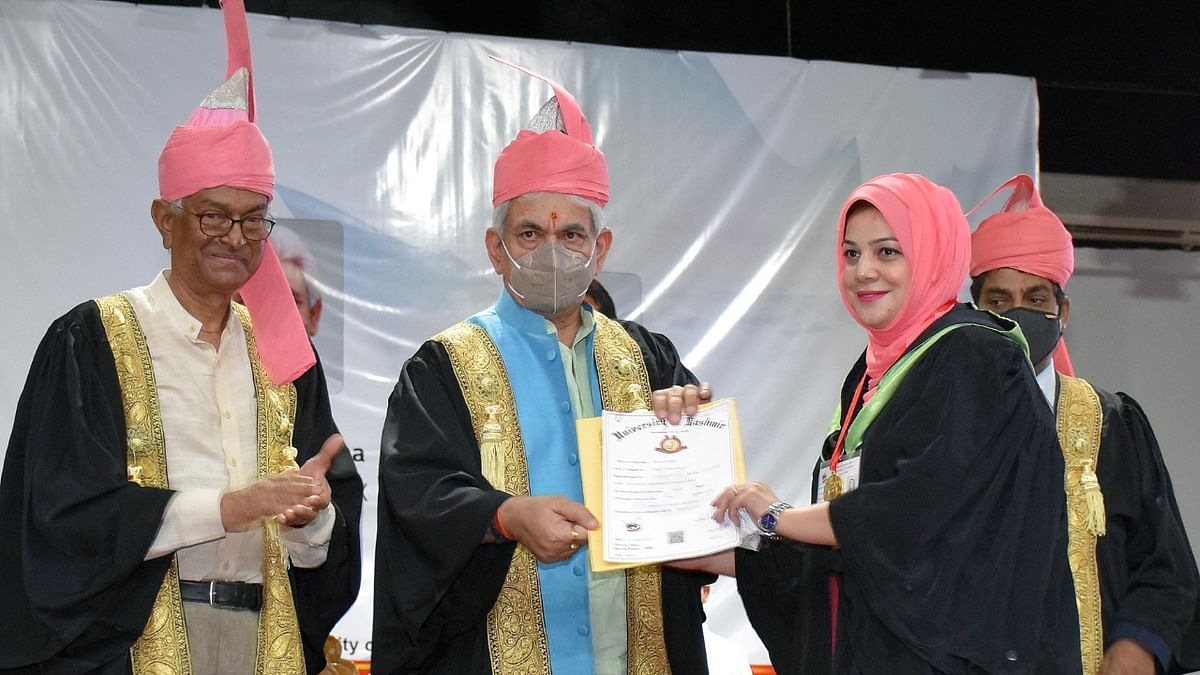 Kashmir University to play big role in J&K knowledge economy: LG Sinha