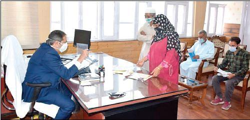 Dozens of deputations, individuals call on Advisor Baseer Khan