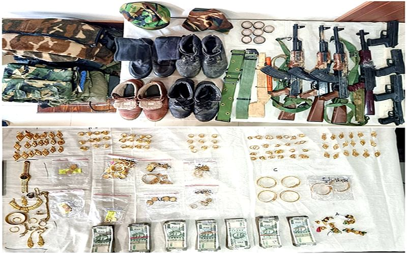 Burglary, extortion gang busted in Srinagar | 10 arrested, gold worth Rs 22 lakhs, combat dresses, dummy weapons, cash recovered