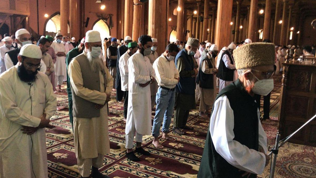 Congregational Friday prayers resume at Srinagar's Jamia Masjid as COVID cases decline