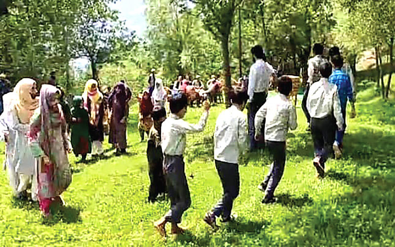 Fruits of ceasefire: Open air community school a big success in Uri