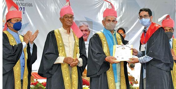 KU Special Convocation|Nation building responsibility rests on youth: LG Sinha