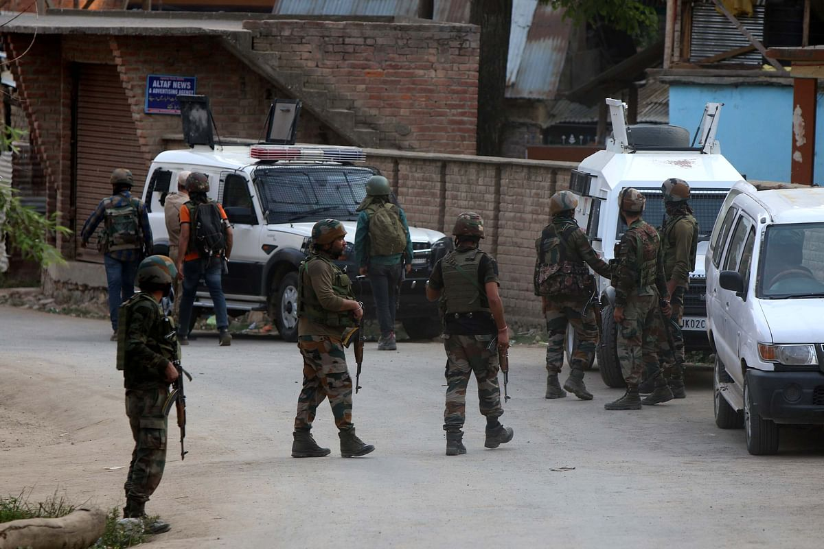 Militant escapes from Budgam encounter site, arrested in Khrew along with truck driver