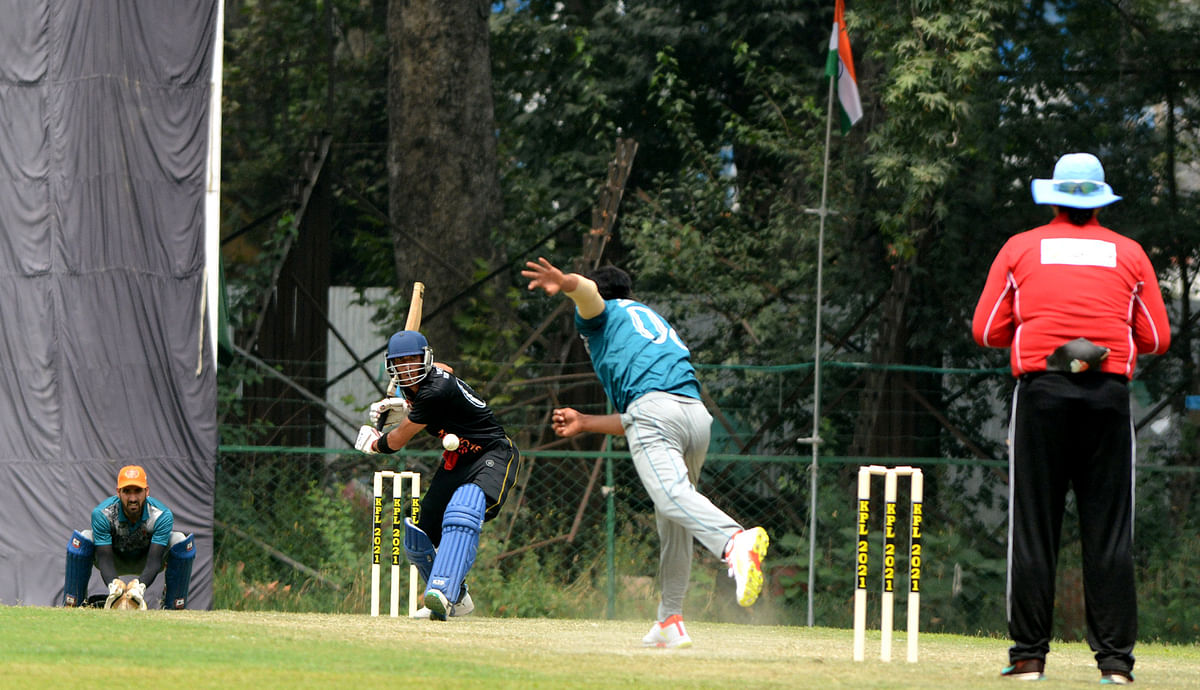 Batting first, Budgam Braves scored 153-6 in the allotted 20 overs. Chasing the target, Shahi Shopian could only score 116-7 thereby conceding defeat by 37 runs.