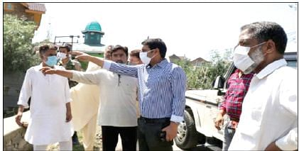 DDC Srinagar inspects restoration works of Vicharnag
