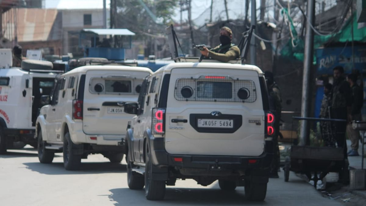 CRPF trooper, two civilians injured in Sopore grenade attack