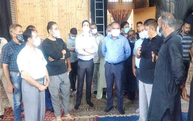 Div Com takes stock of Muharram arrangements in Srinagar