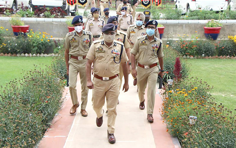 DGP chairs security review meeting in Kulgam