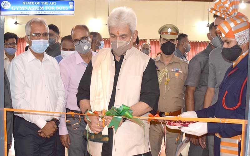 Lt Governor visits NIT Srinagar