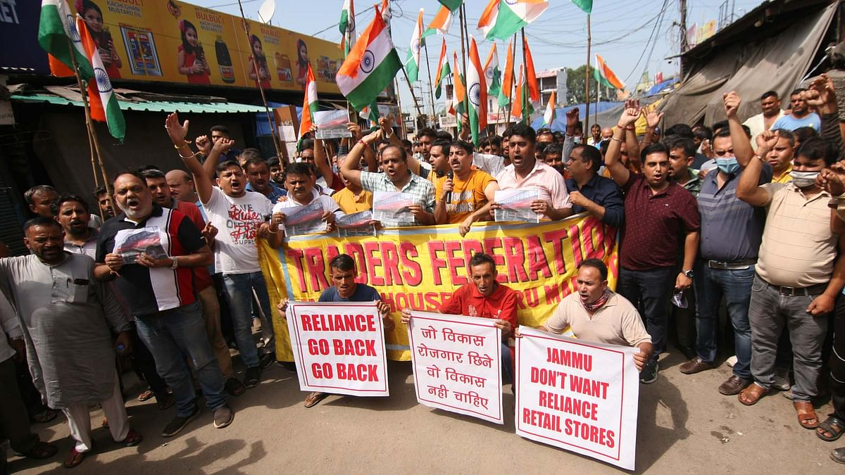 Traders' strike hits normal life in Jammu