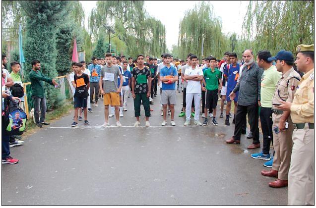AZADI KA AMRIT MAHOTSAV  Police organises mini-marathon in Handwara