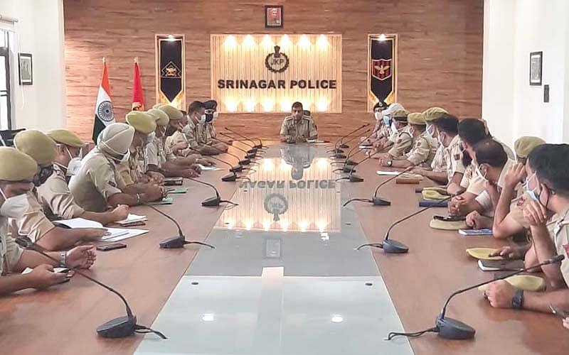 SSP Srinagar directs SHOs to ensure implementation of CAB