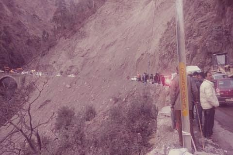 2 killed, 2 injured in Ramban accident