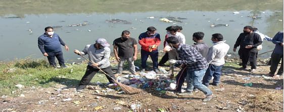 SMC conducts cleanliness drive