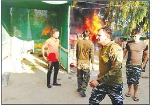 Fire breaks out in Pulwama CRPF camp