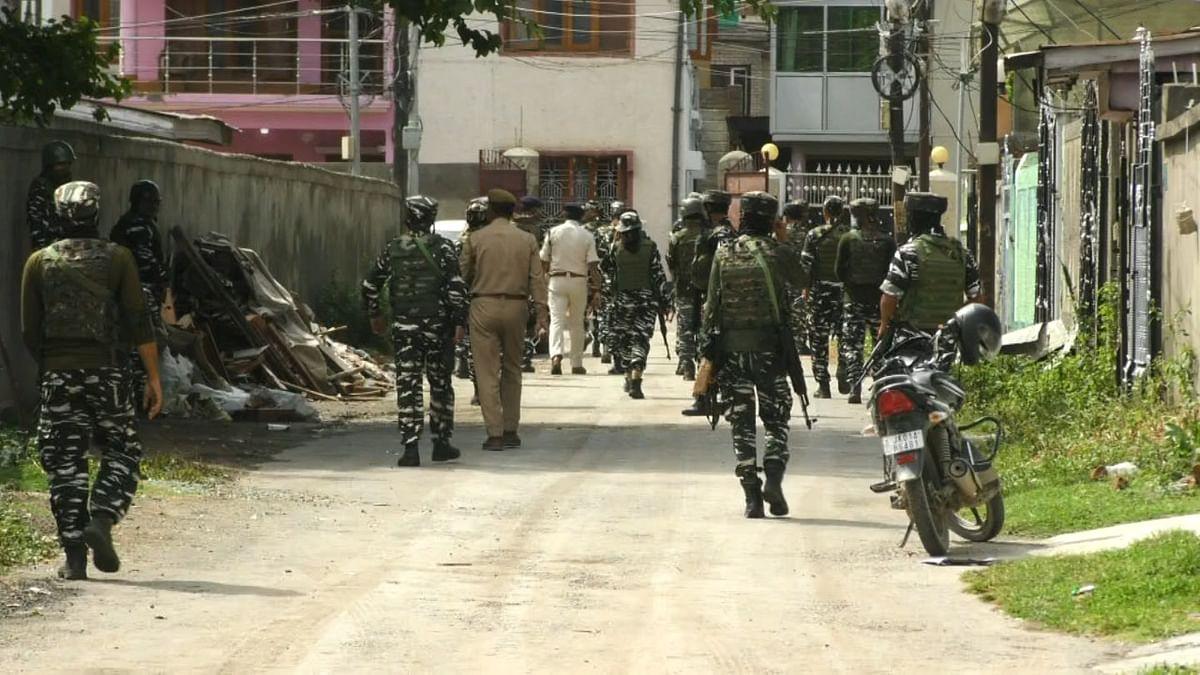 Grenade attack in Srinagar, three injured