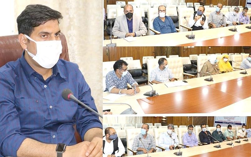 'Govt committed to revive traditional crafts'